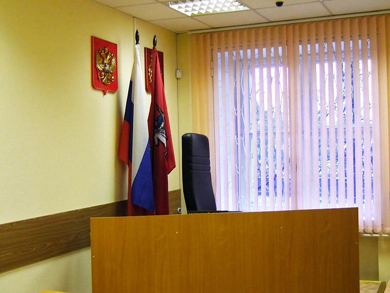 Воркутинский городской суд Коми вынес приговор местной жительнице И. Романовой, которая признана виновной в убийстве сожителя-инвалида. Мужчина задохнулся, когда злоумышленница затолкала ему в глотку пакет с хлебным мякишем