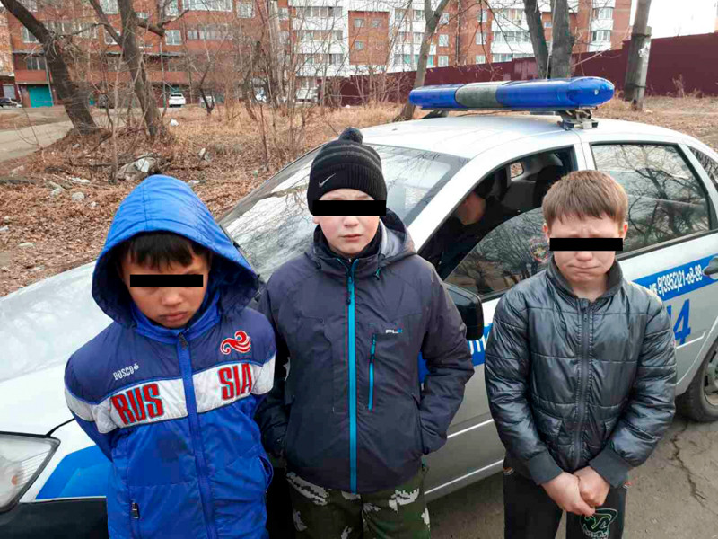 В Иркутске пятиклассники подожгли деревянный двухэтажный дом