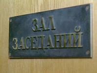 В Екатеринбурге 16-летнего сына директора гипермаркета, зарезавшего мать, избавили от уголовной ответственности
