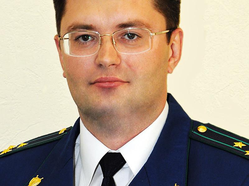 Главное следственное управление СКР завершило расследование в отношении сына губернатора Липецкой области, бывшего зампрокурора Курской области Романа Королева, в сентябре 2015 года насмерть сбившем женщину на скорости 100 км/ч