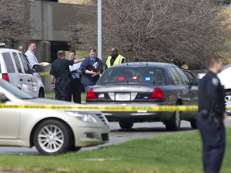 В городе Канзас-Сити в США вынесен приговор престарелому Лоуренсу Джону Рипплу, который совершил ограбление банка, чтобы надолго отдалиться от своей спутницы жизни