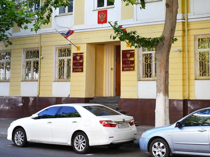 По решению Верховного суда республики Сергей Петров проведет за решеткой 13 лет. А прокуратура просила для него 17 лет лишения свободы