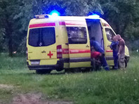 В Норильске пьяные мужчины избили врача, пытаясь погрузить своего друга в скорую помощь