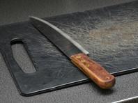 В Иркутской области 7-летняя девочка ранила ножом грабителя, зарезавшего ее мать