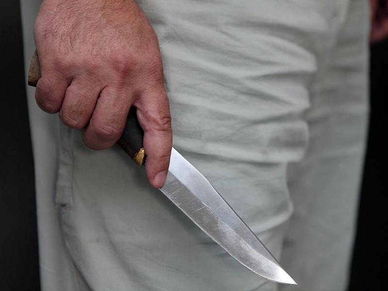 В екатеринбургском роддоме мужчина ударил ножом в живот беременную жену