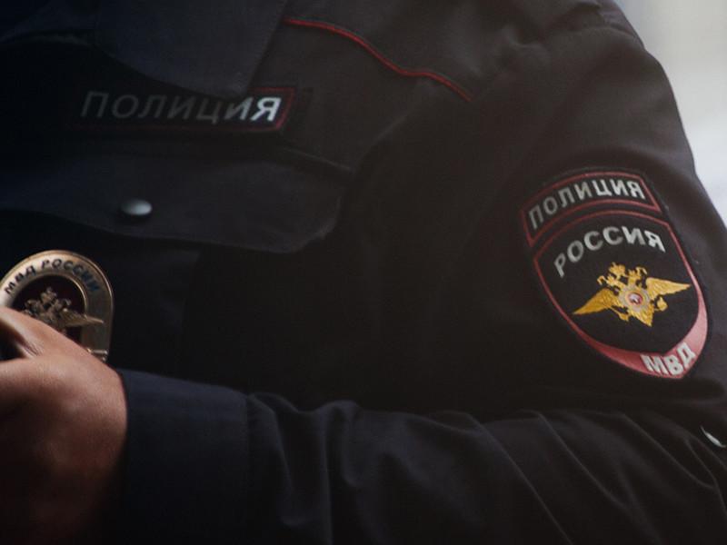 Полицейские Самарской области возбудили уголовные дела в отношении школьницы, которая по пути в детский оздоровительный летний лагерь совершила кражу золотых украшений