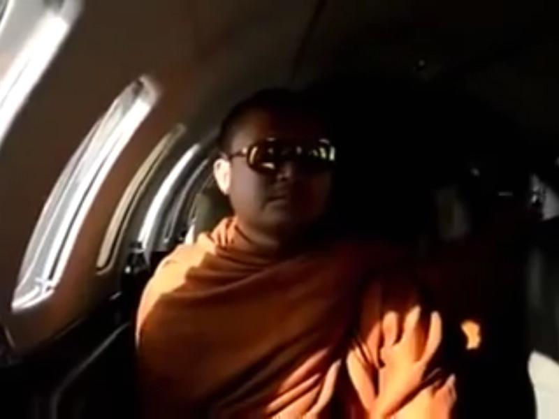 В Таиланд из США экстрадирован буддийский монах, обвиняемый в изнасиловании ребенка и отмывании денег