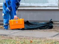 Преступление было совершено днем 5 июля 2017 года около одного из домов в Копейске. Там было обнаружено тело местного жителя с огнестрельными ранениями. Отец погибшего доставлен в лечебное учреждение с аналогичными ранами