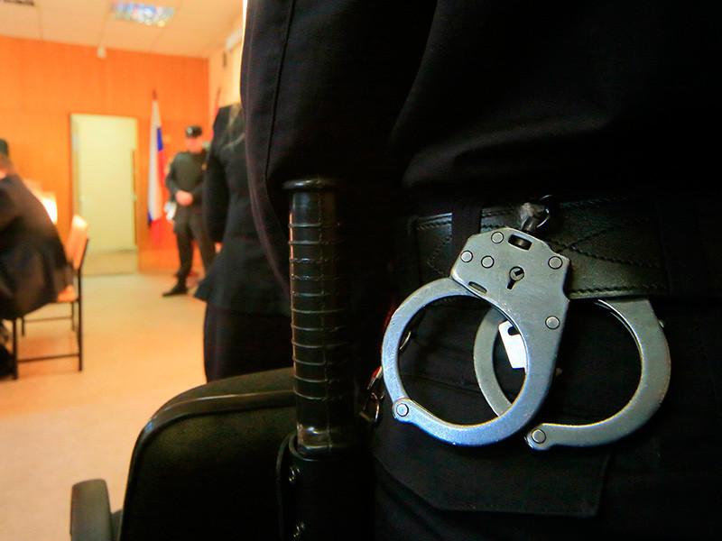 """В Краснодаре судят офицера ФСБ, получившего 10 млн рублей от сына """"авторитетного"""" бизнесмена из клана Деда Хасана"""