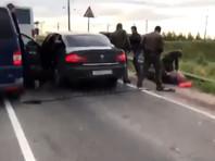 """В Ленобласти начальник ОМВД и другие полицейские воровали продукцию НПЗ, используя автобусы-""""бензовозы"""""""