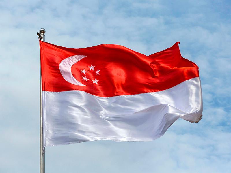 В Сингапуре трем британцам, изнасиловавшим в отеле уроженку Малайзии, грозит телесное наказание
