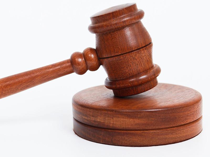 В Петербурге осужден на 7 лет скинхед Чехман, зарезавший студента в коммуналке