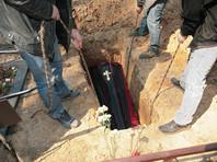 """""""Похоронные войны"""": в Ленобласти на кладбище обстреляли из ружья ритуальный ЗИЛ"""