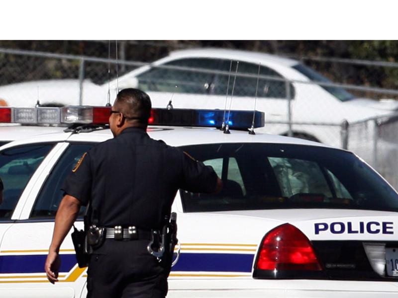В США 4 девушки ограбили и застрелили мужчину, который заменил колесо на их машине