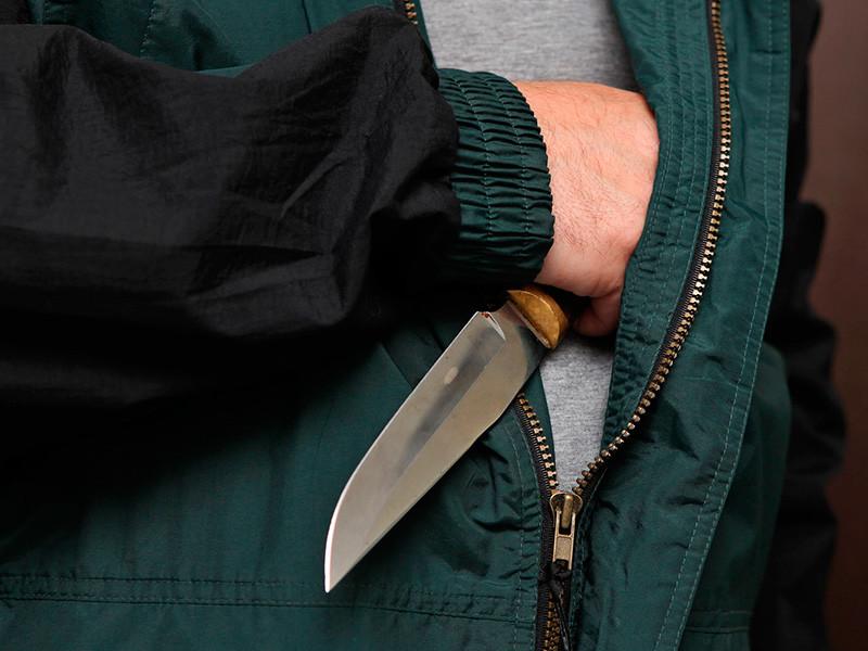 В московском метро пассажира ранили ножом в ходе ссоры
