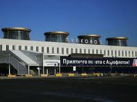"""На выезде из аэропорта Пулково грабители отняли у перевозчика """"черного нала"""" 1,2 млн долларов"""