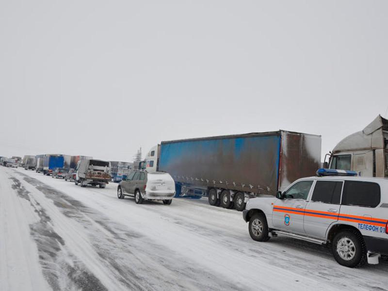 """СКР после 22 месяцев расследования назвал обвиняемых по делу о """"снежном плене"""" на трассе Оренбург-Орск"""