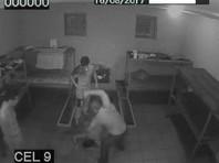 В Молдавии опубликовано ВИДЕО избиения до смерти шизофреника, которого посадили в камеру к заключенным