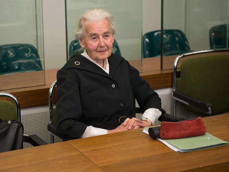 В Германии 88-летнюю пенсионерку отправили в тюрьму за отрицание Холокоста