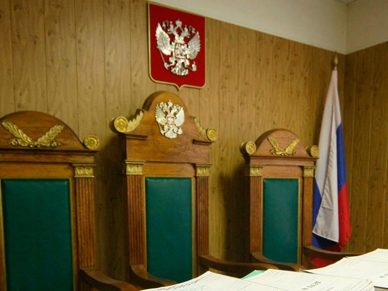 В Мурманской области вступил в силу приговор, вынесенный несовершеннолетней девушке и ее сообщнику, который оказался отпрыском местного народного избранника и бизнесмена