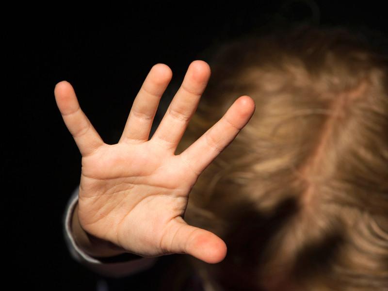 В Воронежской области многодетная мать переломала пятилетней дочери руки за съеденный маргарин
