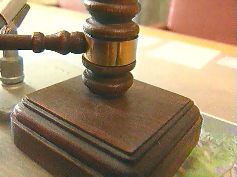 В Кузбассе полицейские, вымогавшие взятку у подозреваемого в краже, получили до двух лет колонии