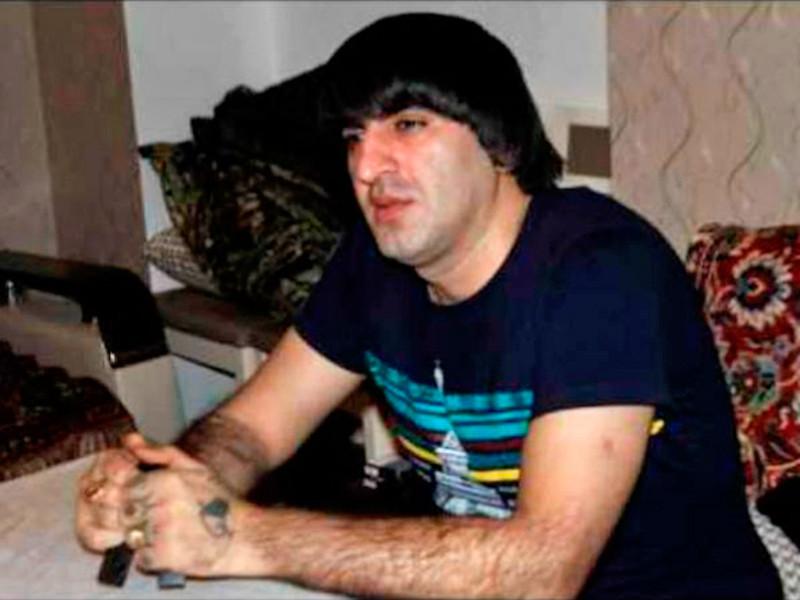 Криминальный авторитет Этибар Мамедов и его спутники оказали вооруженное сопротивление. В итоге Мамедов был застрелен