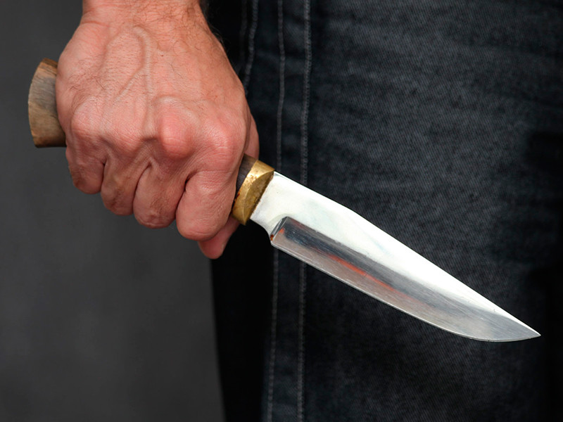 Под Челябинском мужчина избил и ранил ножом женщину-судью
