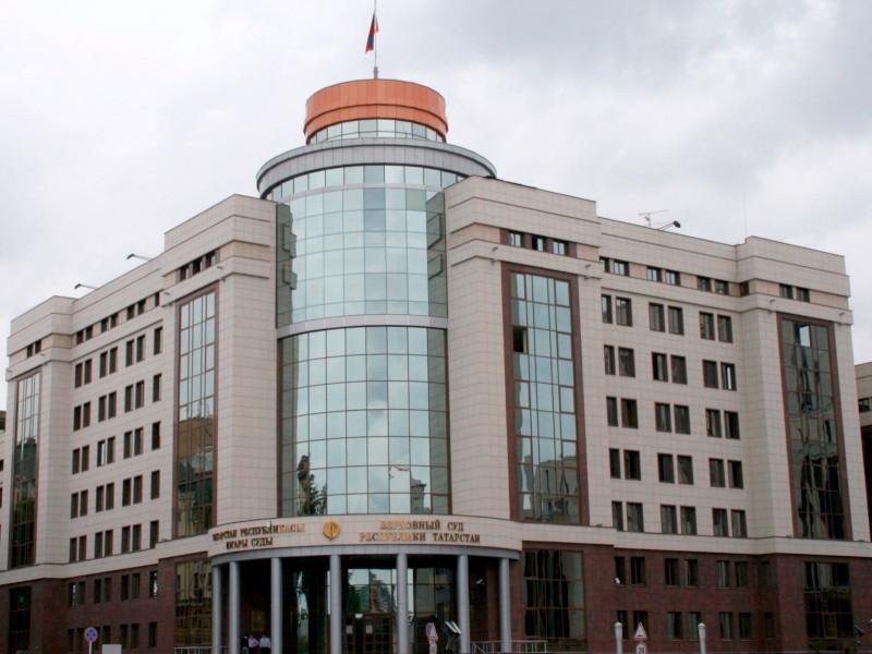 6 декабря Верховный суд Татарстана вынес приговор 59-летнему жителю Казани Ильдару Кадырову, который в период майских праздников, находясь на даче, оказал вооруженное сопротивление стражам порядка и удерживал в заложниках пожилую пару