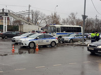 На место перестрелки приехал глава полиции Москвы генерал Олег Баранов, прибыли подразделения СОБР и ОМОН