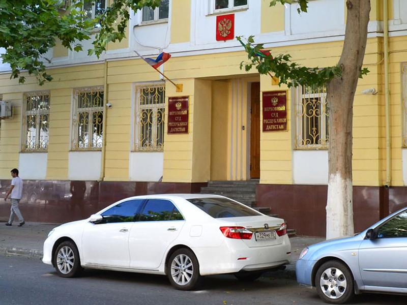 Коллегия Верховного суда Республики Дагестан рассмотрела апелляционное представление прокуратуры на оправдательный приговор, вынесенный отпрыску высокопоставленного чиновника Бадрудину Мусаеву. Он обвинялся в избиении стражей порядка