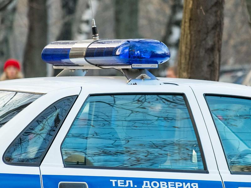 Во Владивостоке пациенты поликлиники скрутили мужчину, ранившего спицей медсестру
