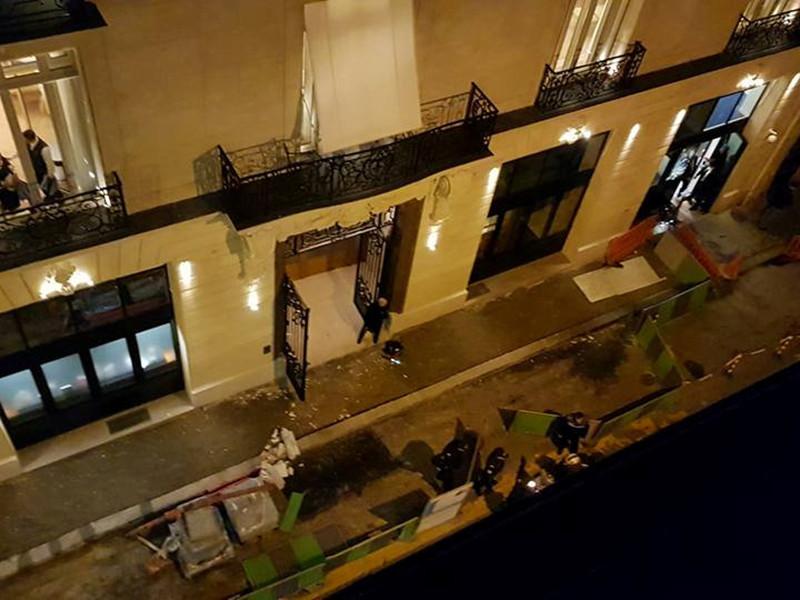 В Париже грабители, проникшие в отель Ritz, растеряли драгоценности на 4 млн евро во время бегства
