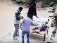 В Индии пожилую свидетельницу убийства застрелили перед выступлением в суде (ВИДЕО)