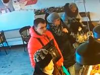В булочной у петербурженки украли 200 тысяч рублей (ВИДЕО)