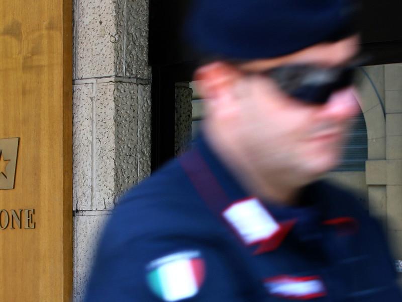 Военная прокуратура итальянского Милана выясняет обстоятельства инцидента со стрельбой на полицейских учениях по борьбе с терроризмом