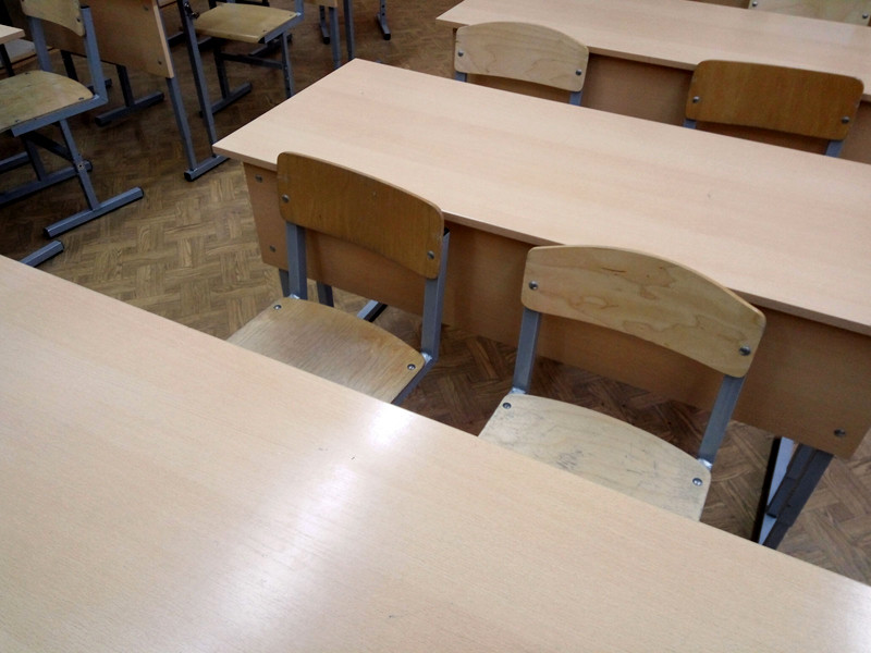 В Башкирии школьник в учебном классе ранил ножом одноклассника-рэкетира, требовавшего 100 рублей