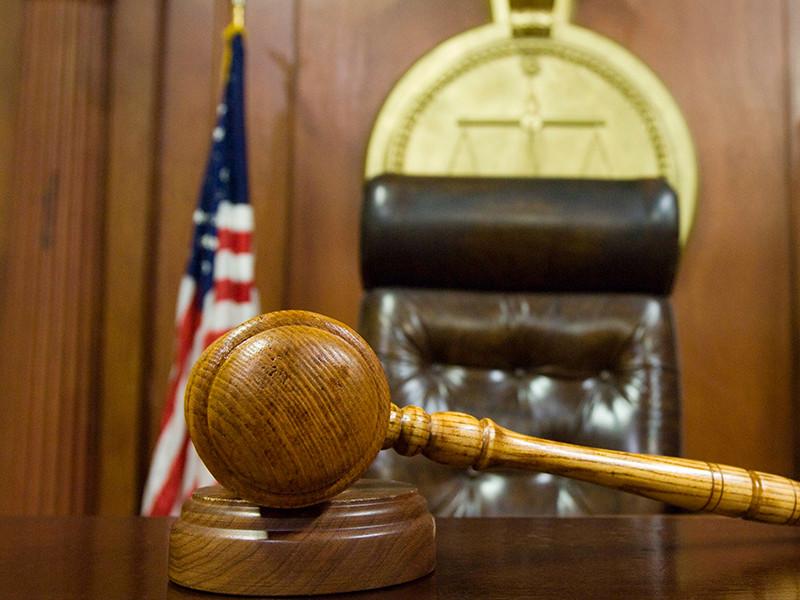 В Мэриленде двух полицейских признали виновными в грабежах