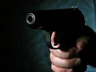 В Петербурге грабитель устроил стрельбу в секс-шопе и похитил 4 тысячи рублей