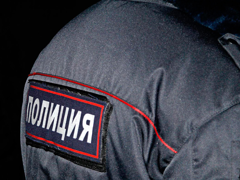 В Орле мужчина, «отбиваясь» ломом от медиков и полицейских, переломал ребра сотруднику МВД