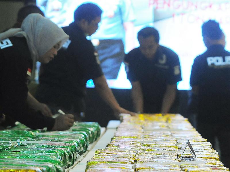 Полиция Тайваня обнаружила на судне рекордную партию наркотиков в 1289 кг
