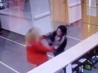 """В сочинской больнице девушка избила женщину-фельдшера, требуя """"уважительного отношения"""" (ВИДЕО)"""