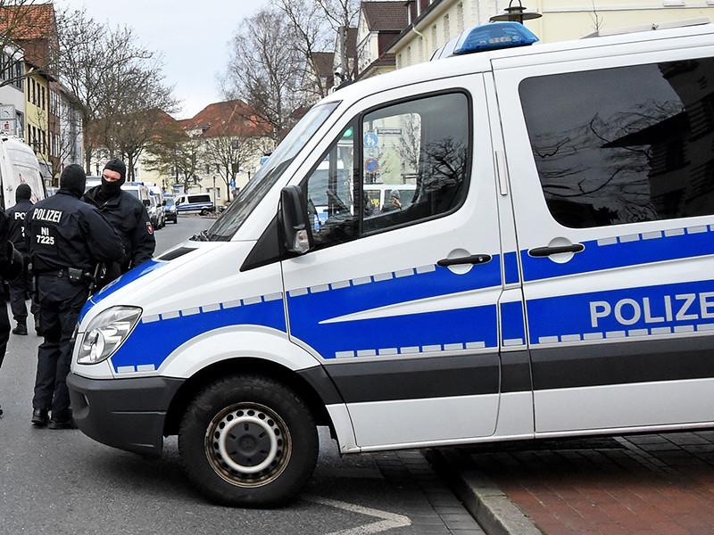 """В Германии сирийский беженец зарезал жену на глазах ребенка и начал """"кровавую"""" трансляцию в Facebook"""