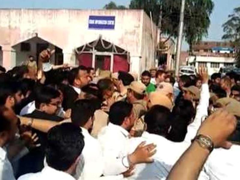В Индии начался суд по делу об изнасиловании в храме и убийстве девочки из племени кочевников-мусульман