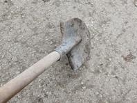 В Новосибирске пьяные подростки проломили голову младенца лопатой, сброшенной 9 мая с крыши дома