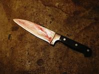 Неадекватный екатеринбуржец, к которому отказалась приезжать скорая, нанес своей девушке 30 ножевых ран и поджег квартиру