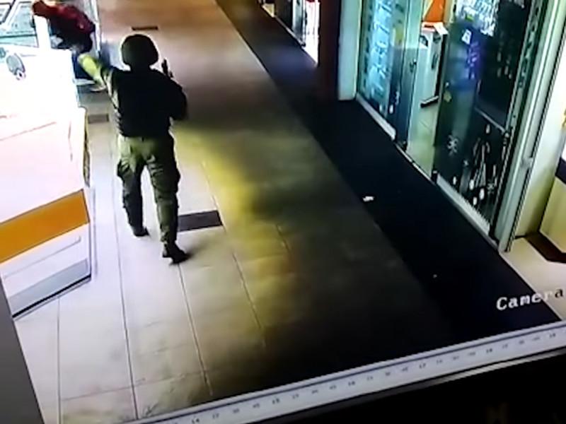"""На Украине ищут банду """"спецназовцев"""", ограбивших ювелирный магазин в Херсоне"""