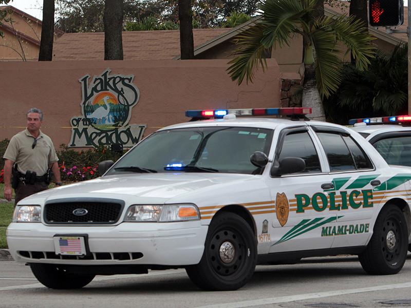 Полиция американского города Майами (штат Флорида) арестовала 46-летнего безрукого мужчину, который подозревается в нападении на туриста. Пострадавший заявил, что инвалид ранил его ножницами