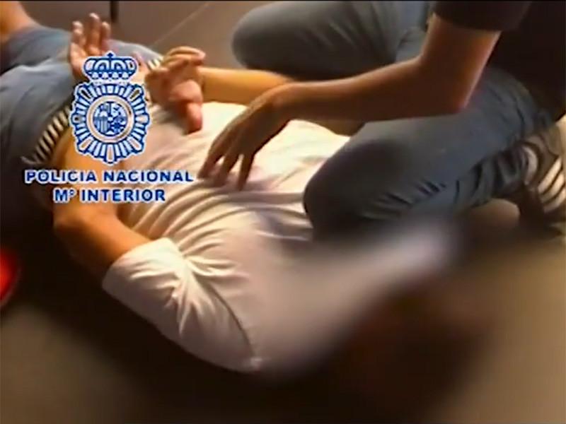 В испанском городе Марбелья были задержаны три российских вора в законе. Их обвиняют в подготовке убийства, подделке документов и участии в преступной организации