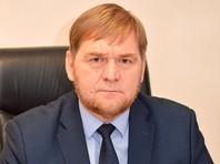 Чиновник в Ленинградской области, уходя от полицейской погони, выкинул на дорогу треть миллиона рублей
